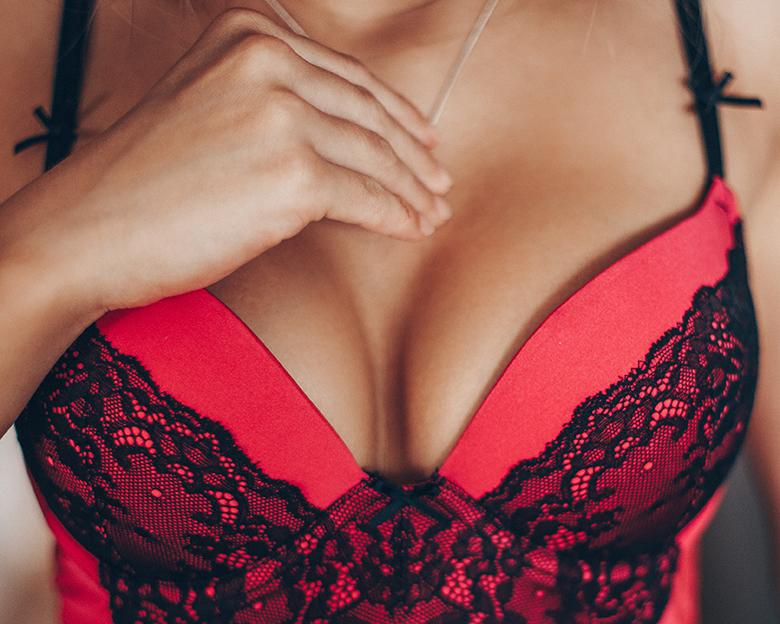 Prawdziwe piersi czy sztuczne?